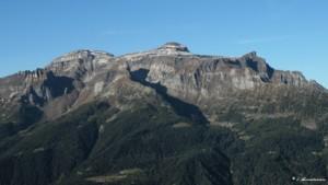 Pizzo Diei e monte Cistella. In ombra il Vallone di Solcio